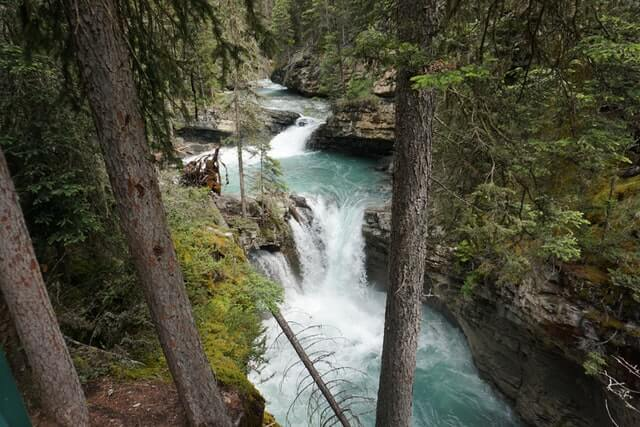 must do hikes in Banff