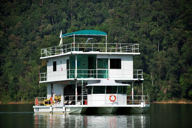 Royal Belum Houseboat